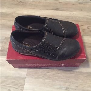 Clarks Shoes Size 6.5